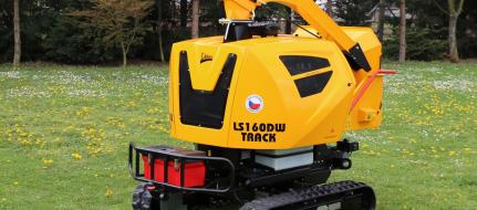 Leistungsstarker Buschholzhäcksler mit Fernbedienung auf verstellbarem Raupenfahrwerk  LS 160 DW Track