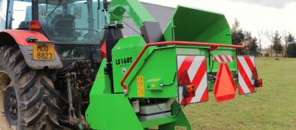 Leistungsstarker Buschholzhäcksler zum Anbau an Ackerschlepper (1000 U/min) LS 160 T (1000 U/min)