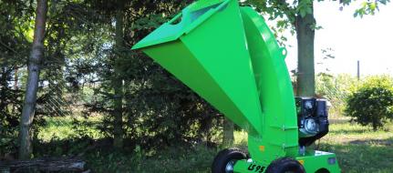 Buschholzhäcksler mit Kohler Motor  LS 95/CH