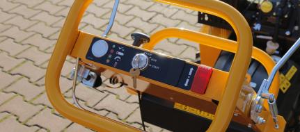Handgeführte Baumstumpffräse mit elektrischem Fahrantrieb F 460EI