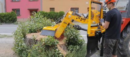 Baumstumpffräse zum Traktoranbau mit Handbetätigung FZ 560 T - M