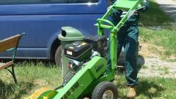 Leichte handgeführte Baumstumpffräse mit Kohler Motor F 360 SW/14