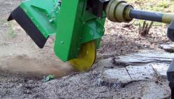 Baumstumpffräse zum Traktoranbau mit Fernbedienung FZ 560 T - RC